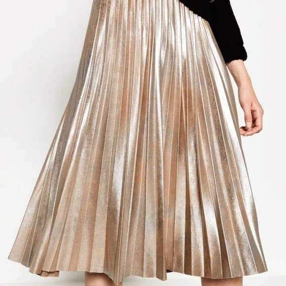 ZARA metallic fine pleated skirt size M
